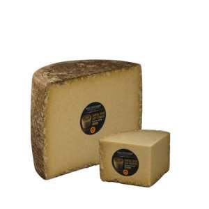 Image du fromage  CANTAL VIEUX FERMIER